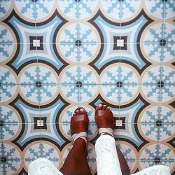 Carrelage imitation ciment bleu beige 20x20 cm 1900 BELTRI -   - Echantillon Vives Azulejos y Gres