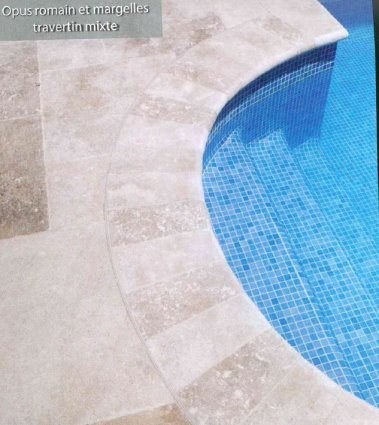 SET bain romain Margelles courbes rayon 150cm travertin beige veilli - zoom