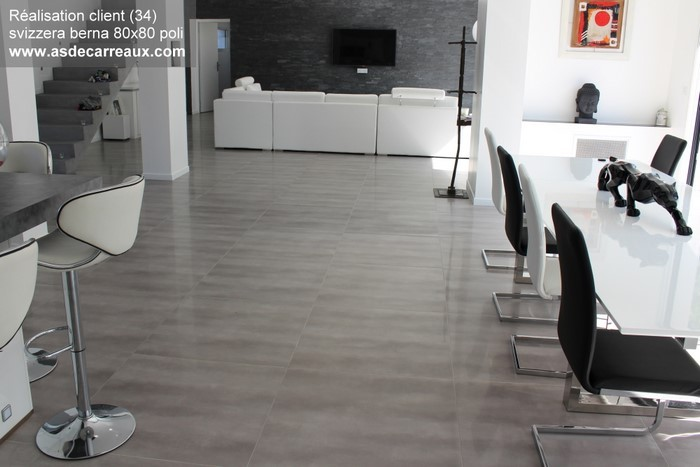 Astonis salon carrelage gris colle carrelage exterieur for Prix colle carrelage exterieur