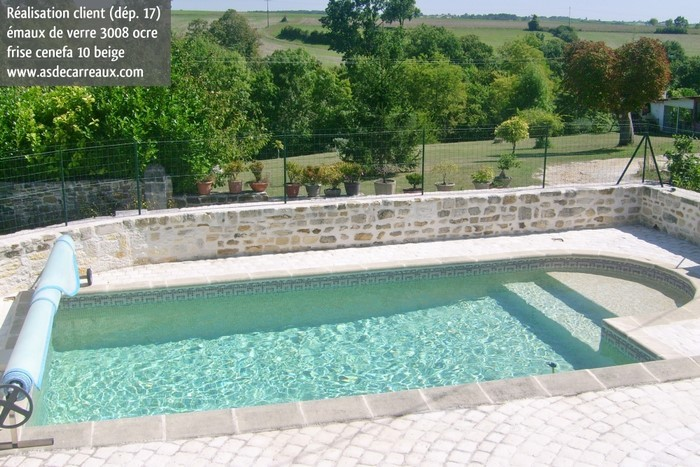 R alisations piscines des clients as de carreaux for Piscine fond beige